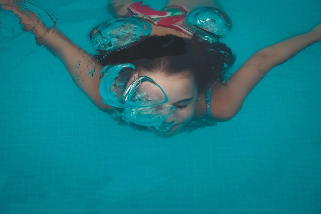 how to submerge and relax underwater