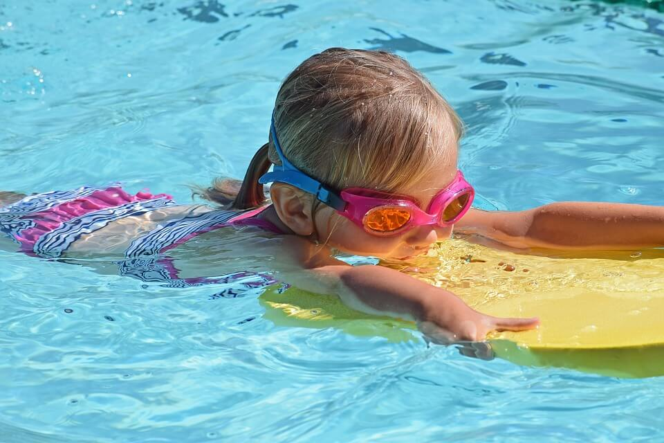 using swimming floats for learning how to swim